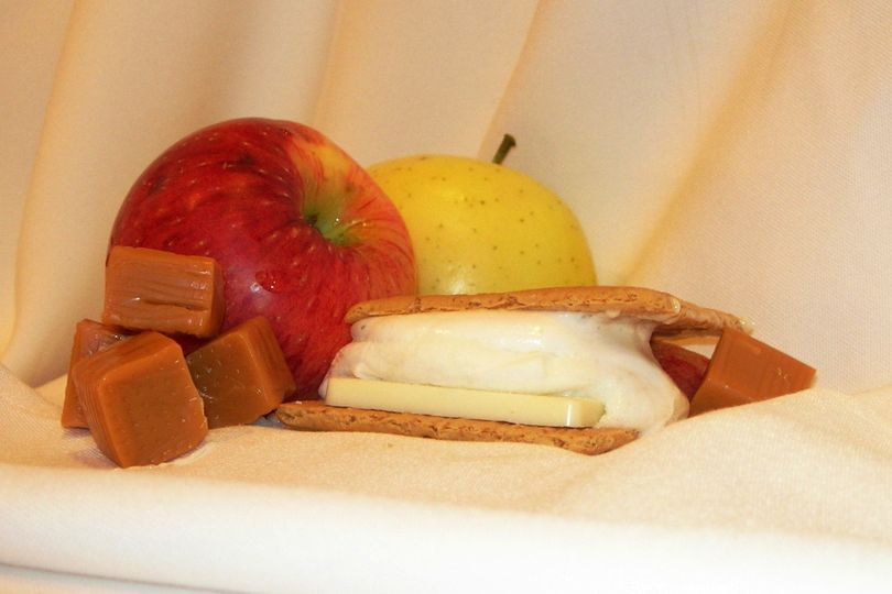 Caramel Apple Apple Flavored Marshmallow with Caramel Flavored White Chocolate and Honey Graham...