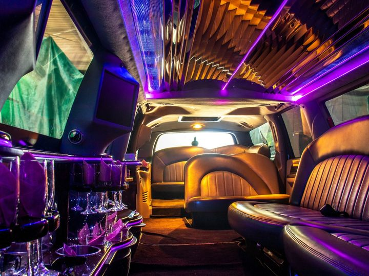 Tmx Rock Harbor 14 Passenger Stretch Suv Limo Interior View From Driver Partition 51 1067147 1563927303 East Lansing, MI wedding transportation