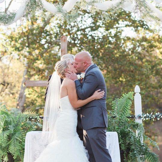 Courtyard wedding Melissa Mcelrath photography