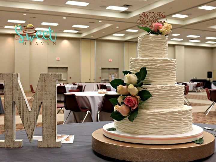 Tmx Img 1099 Edit 51 1069147 1560353229 Lake Dallas, TX wedding cake