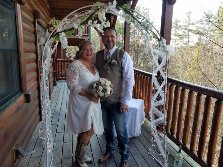 Tmx 20190406 180809 51 999147 158031147790237 Sevierville, TN wedding officiant