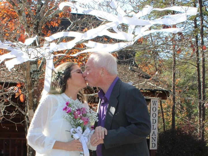 Tmx Img 1983 51 999147 158031138195867 Sevierville, TN wedding officiant