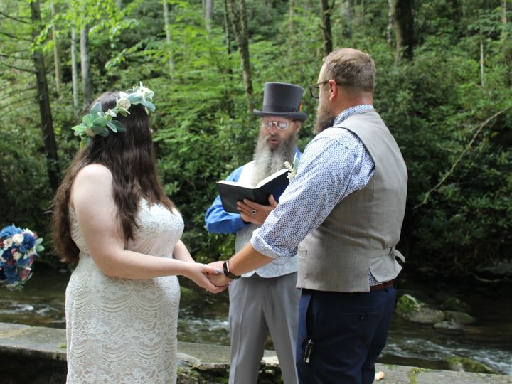 Tmx Img 3033 51 999147 159986030343918 Sevierville, TN wedding officiant