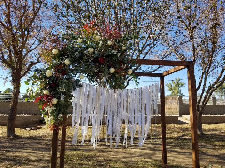 Tmx Be Zillweger Arch With Floral 51 1951247 158467143579578 Charlevoix, MI wedding planner