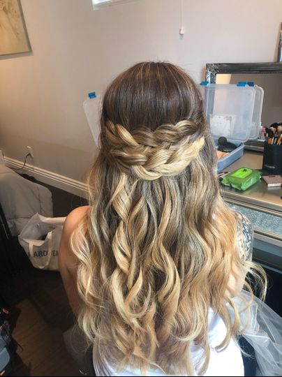 Loose beach waves with braids