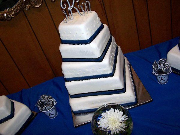 Tmx 1310566142675 NikkiandMatt Plymouth wedding cake