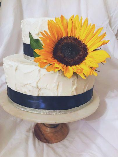 Fall wedding cake Vanilla stuckko cake Dummy cake Tiered cake