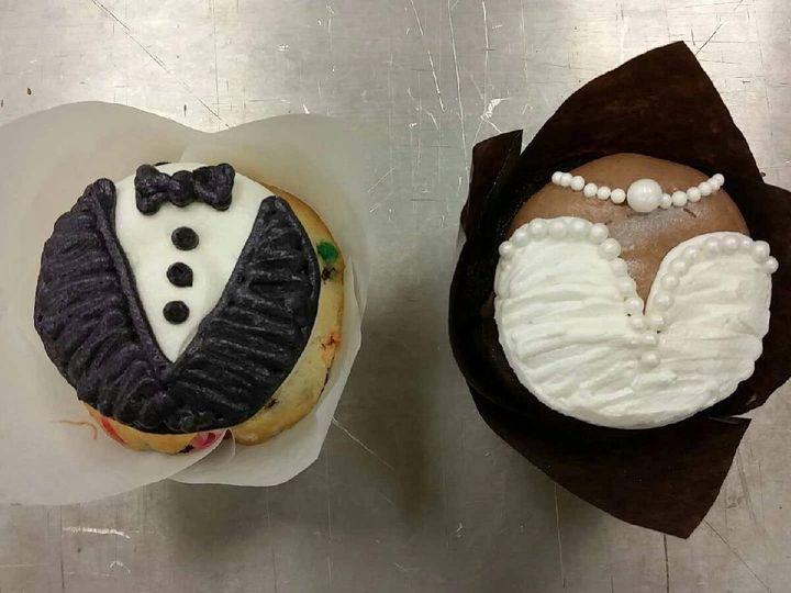 Tmx 1452100118696 11062020101532851133613923301276853524499557o Cedar Falls, IA wedding cake