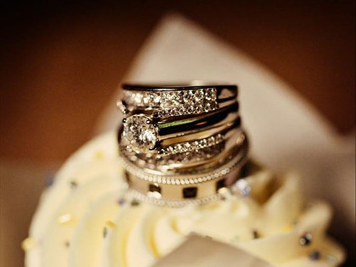 Tmx 1452104116383 6ddc1a2c 77cc 428d 86d7 E822812b8412 Cedar Falls, IA wedding cake