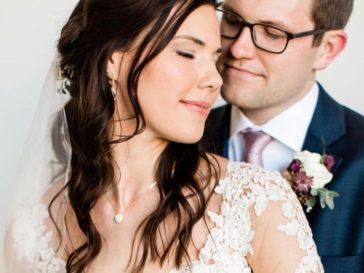 Tmx Knot Upload7 51 1526347 160815254971365 Indianapolis, IN wedding beauty