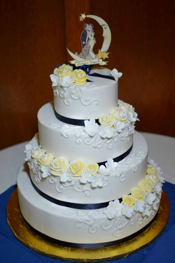 yellow and navy buttercream rose norman rockwell wedding cake may 2013 2