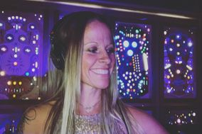 DJ Mandy Mac