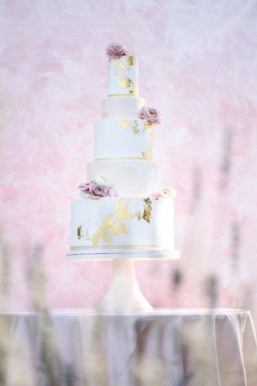 Garden reception wedding cake