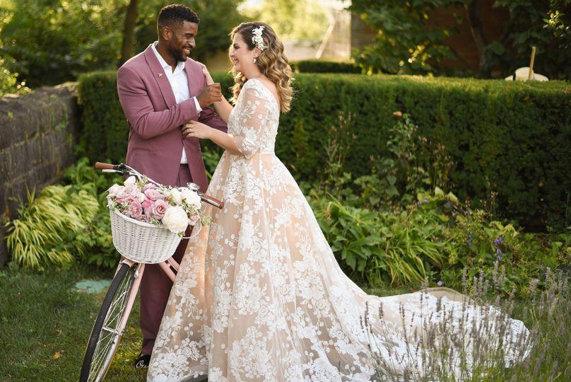 Garden wedding with bicycle