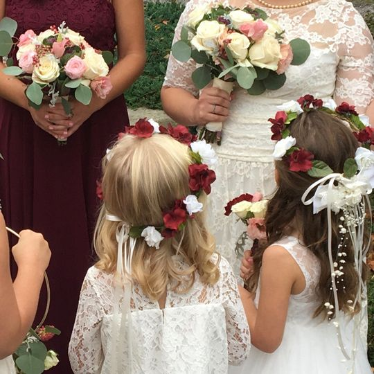 Wedding party floral pieces