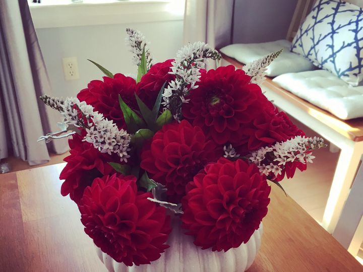 Tmx De295ac1 8417 4eaa Adba C7beb1b09507 51 1894447 1572884200 Kennebunk, ME wedding florist