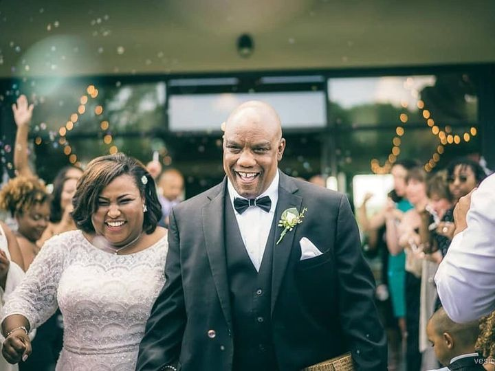Tmx Vesic Photography 51 925447 157525967620353 Whitsett, NC wedding planner