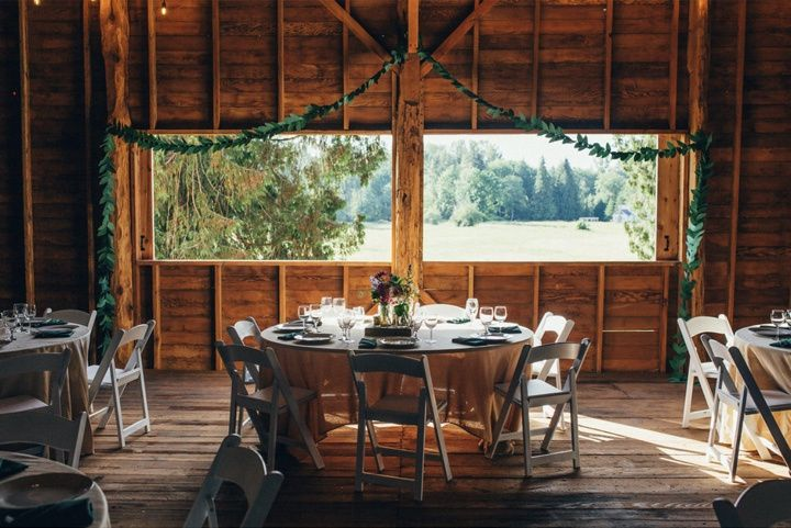 Rustic reception setting