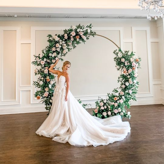 The Laurel Arch for rent
