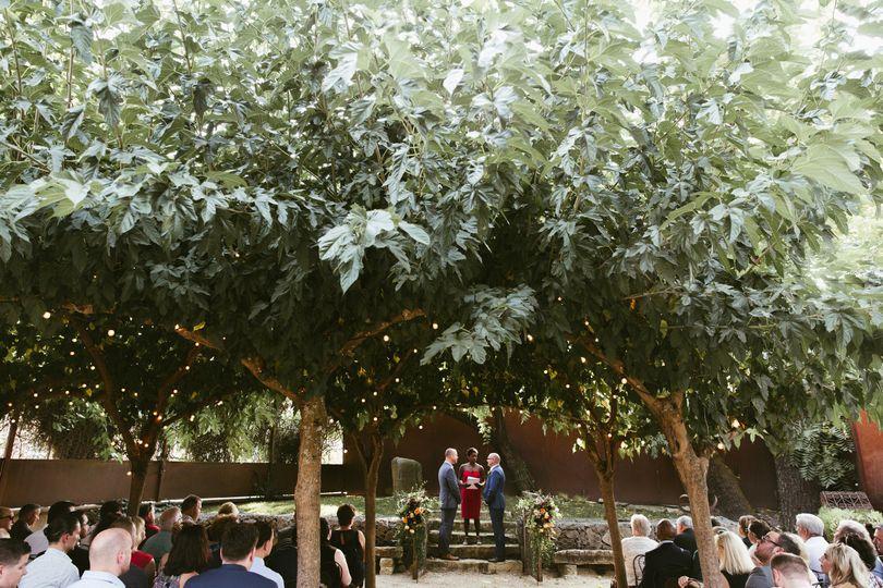 Gorgeous out door wedding at Barndiva in Healdsburg, California