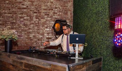 OLA Sounds | DJ Services 1