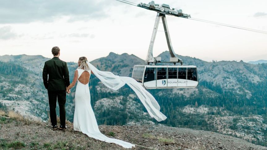 media tram bride groom 51 562547