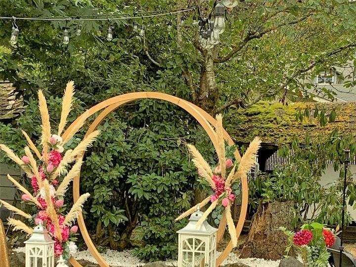 Tmx Golden Loop Arch 3 51 1962547 160320025623966 Kent, WA wedding eventproduction