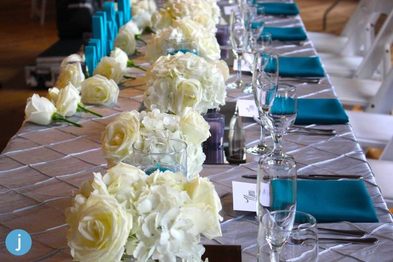 long table flowers 624