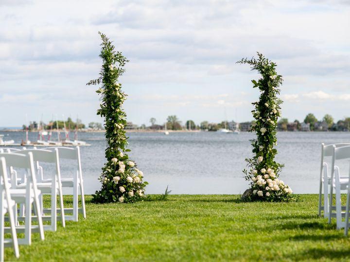 Tmx Evelisa Floral Design Ceremonypillars Innathelongshore 51 784547 1564672550 Yonkers, NY wedding florist