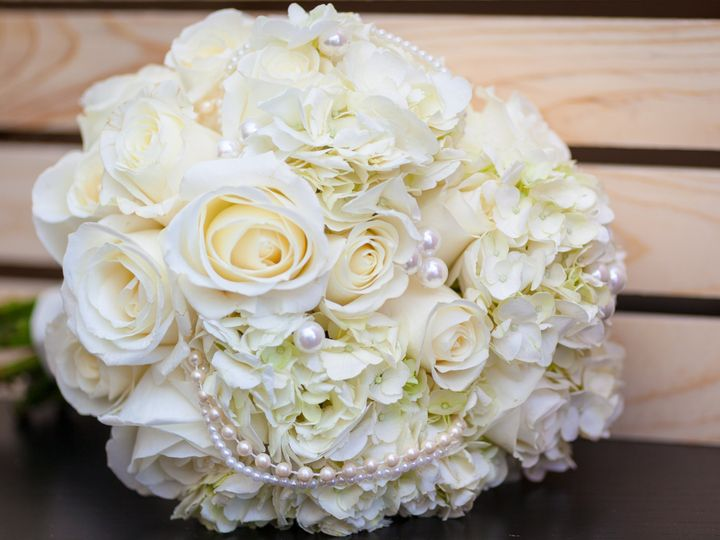Tmx Evelisa Floral Design White Pearl Bouquet6 51 784547 V1 Yonkers, NY wedding florist