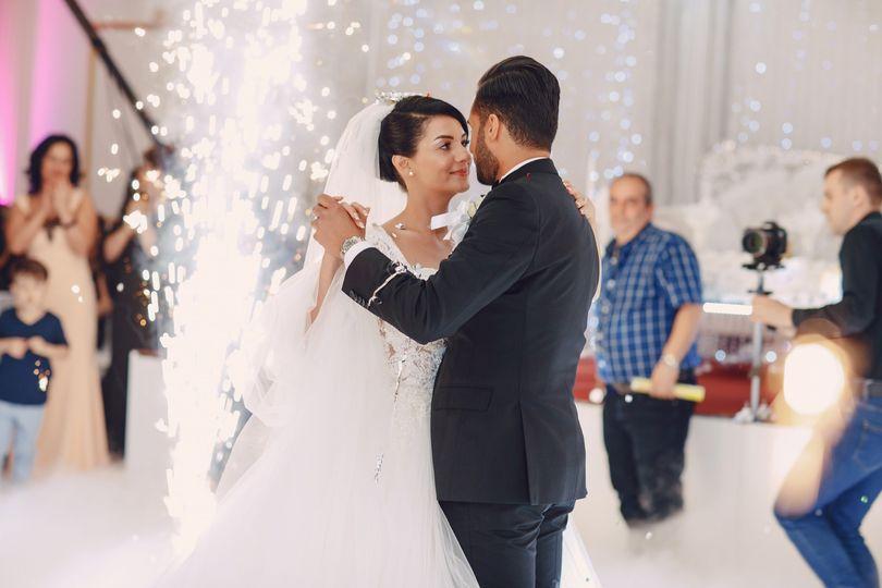 wedding danse 8kvb7lq 51 1325547 157431021957764