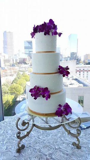 ee7deab23f9079d6 4 tier orchid wedding cake