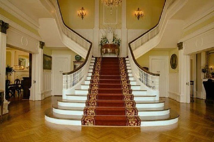 Hotel Grand Stair case