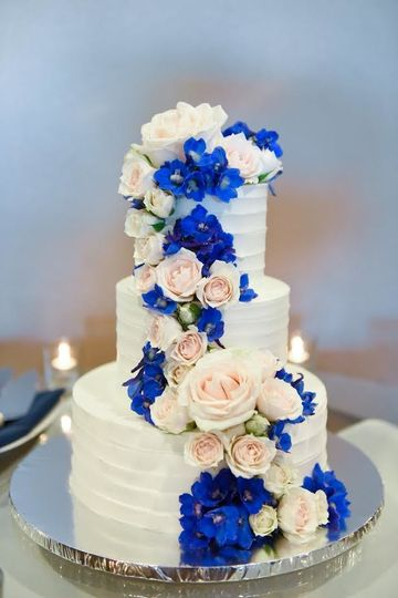 Cake with cascading flowers