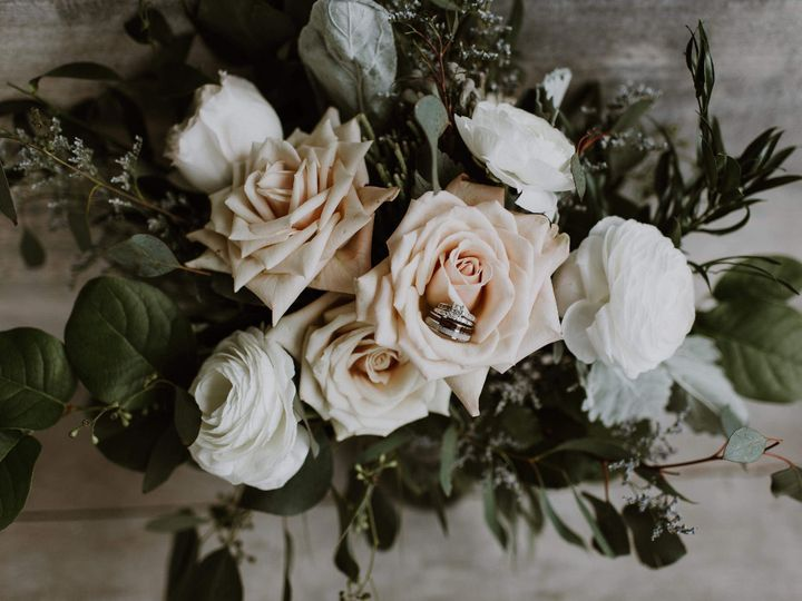 Tmx Blushbridalbouquetscaled2 51 949547 159025778188485 Battle Creek wedding florist