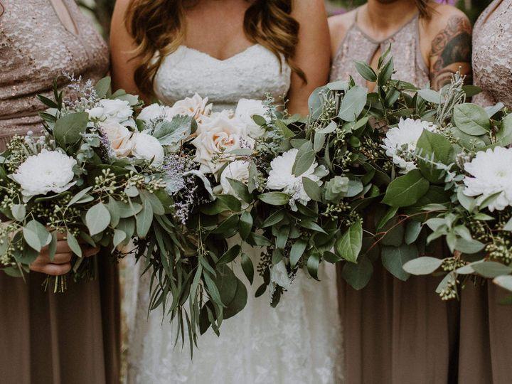Tmx Bridalpartyflowersscaled 51 949547 159025778499324 Battle Creek wedding florist