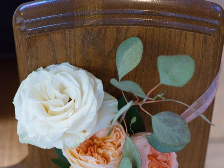 Tmx Pewflowers02 51 949547 159025781863914 Battle Creek wedding florist