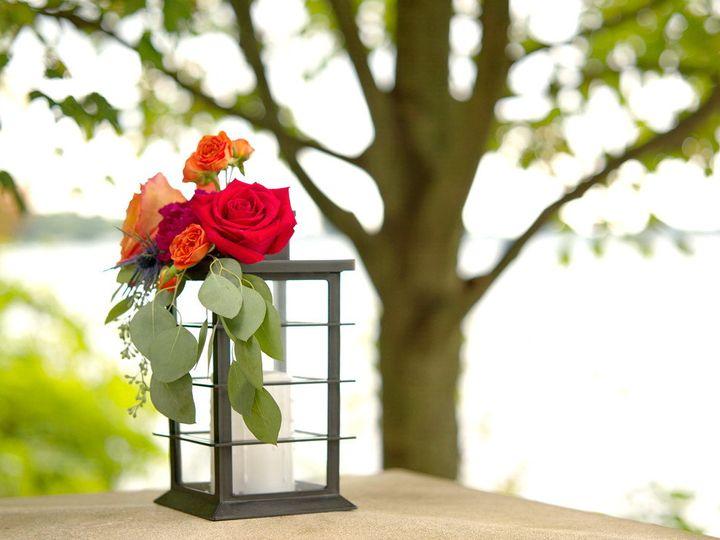 Tmx Redroselanternwk Kellogg Manorbrightened 51 949547 159025804124127 Battle Creek wedding florist