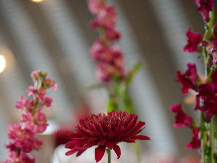 Tmx Tableflowers01 51 949547 159025815073207 Battle Creek wedding florist