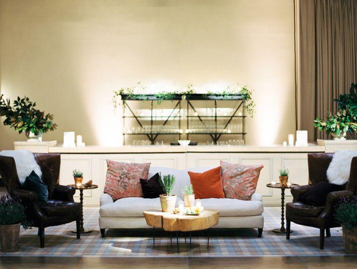 Large Central Bar & Lounge