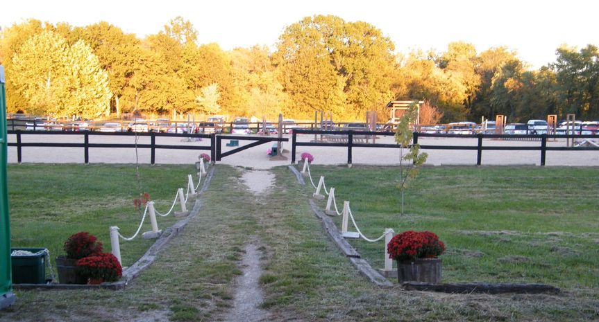 path to riding ring 51 1905647 157853081817340