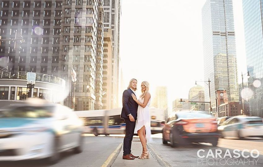 jackie and ericcarasco photodowntown chicago engag