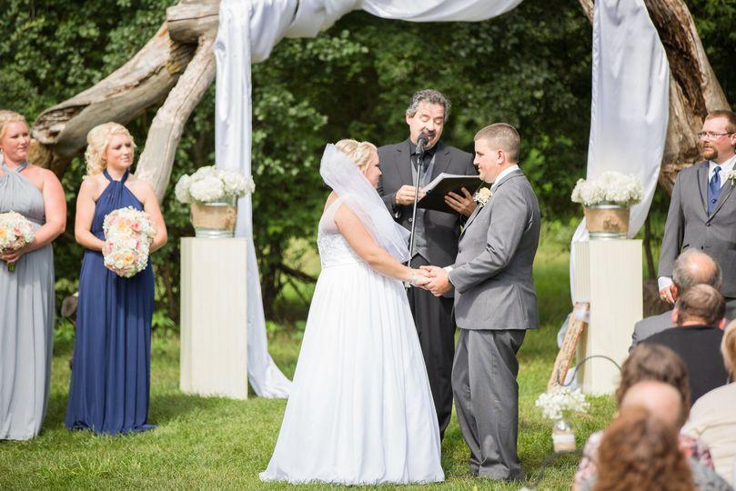33c6e09abc98fad9 1525748370 d96adb329e442aff 1525748371834 3 Haskin Wedding Cer