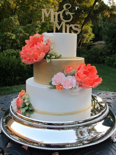 Display wedding cake Let's Do Cake made for a Styled Photo Shoot at Olympia's Valley Estate....