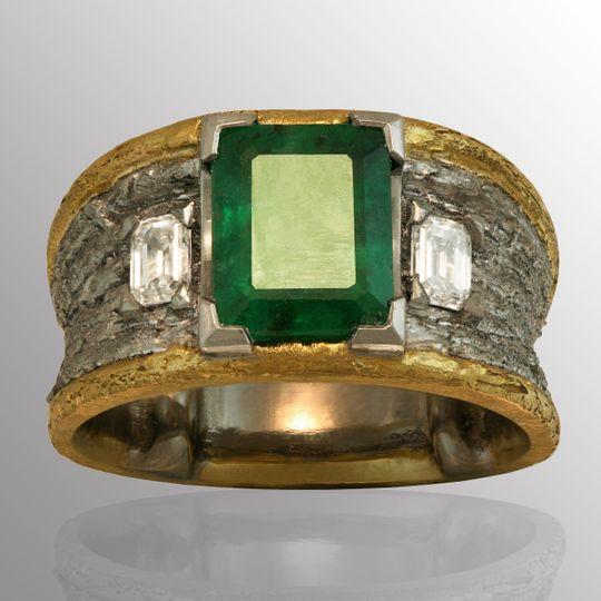Emerald center stone