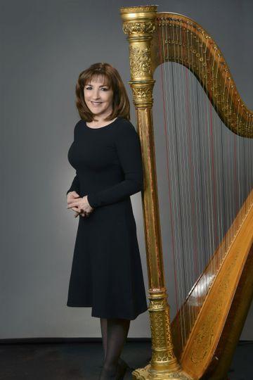 Portrait of harpist