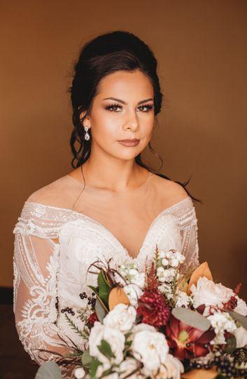 Romantic bridal glam
