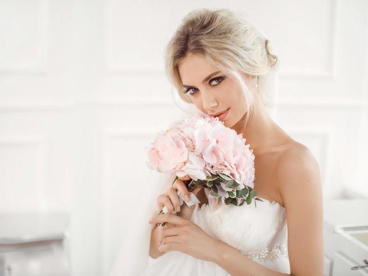 Tmx 1521482668 0ac25e86268dd63d 1521482664 8ed0b28ba25119ac 1521482682352 25 IStock 647780030 Irvine, CA wedding beauty