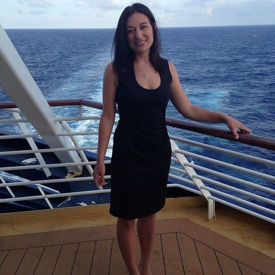 Hi! I'm Melanie Cantrell and I would love to help you plan your dream honeymoon!