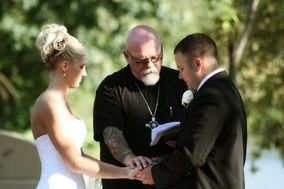 Signature Wedding Photography (formerly 4 Peas in a Pod Photography)